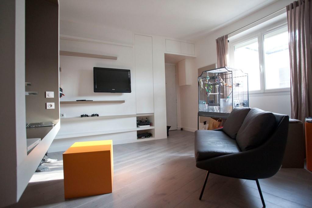 studio cyril rheims 10 huggy. Black Bedroom Furniture Sets. Home Design Ideas