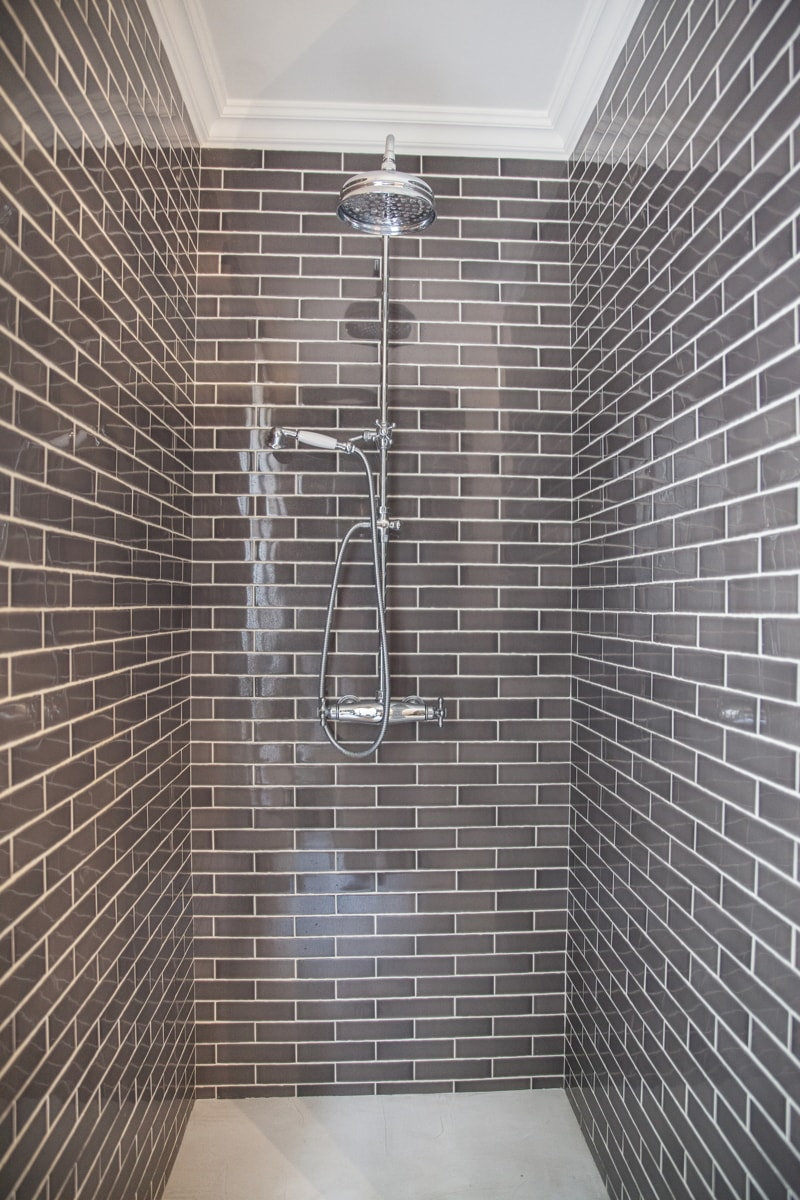 Travaux de r novation vintage pour un appartement de 130m2 for Travaux douche italienne