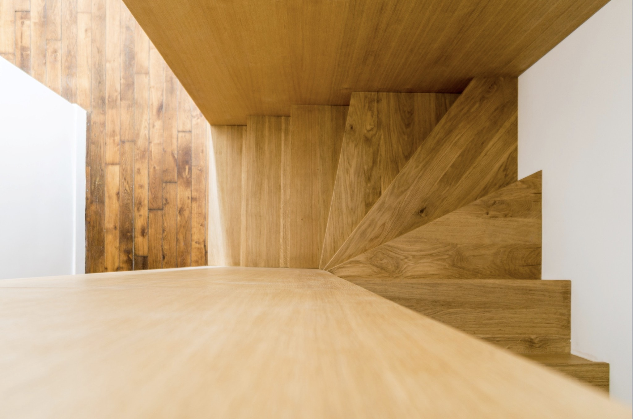 Escalier en bois, vue du dessus