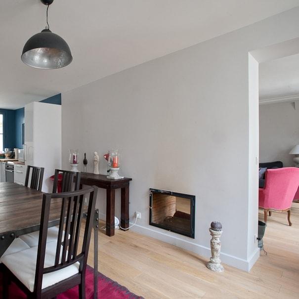 jolie r novation avec chemin e ouverture. Black Bedroom Furniture Sets. Home Design Ideas