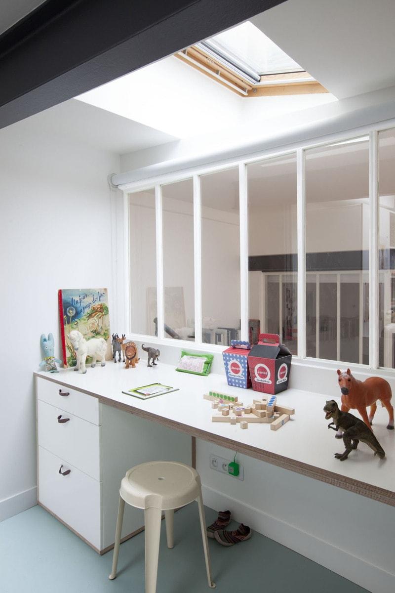 bureau d enfants avec verri re huggy. Black Bedroom Furniture Sets. Home Design Ideas