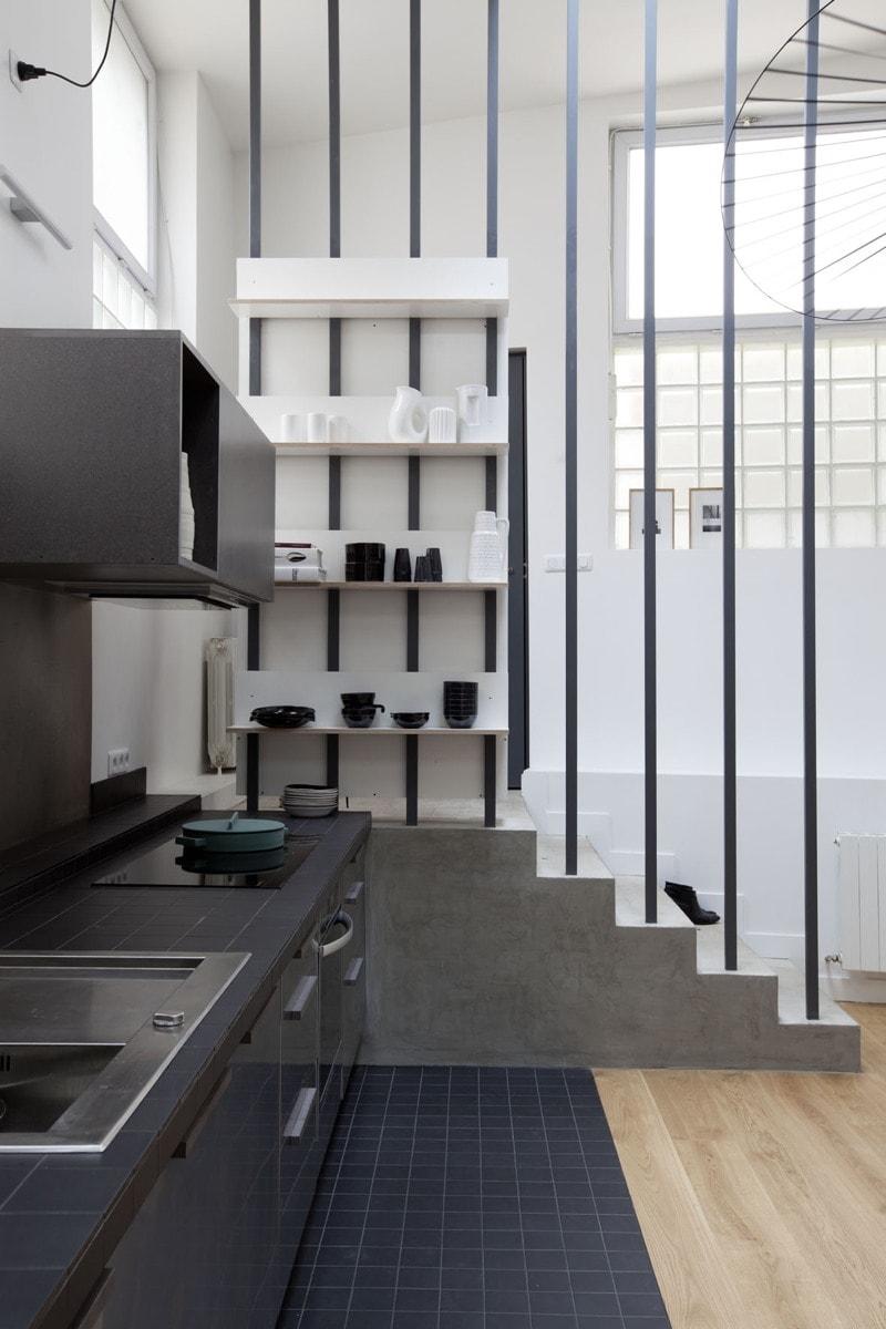 Aménagement d'un cuisine derrière l'entrée
