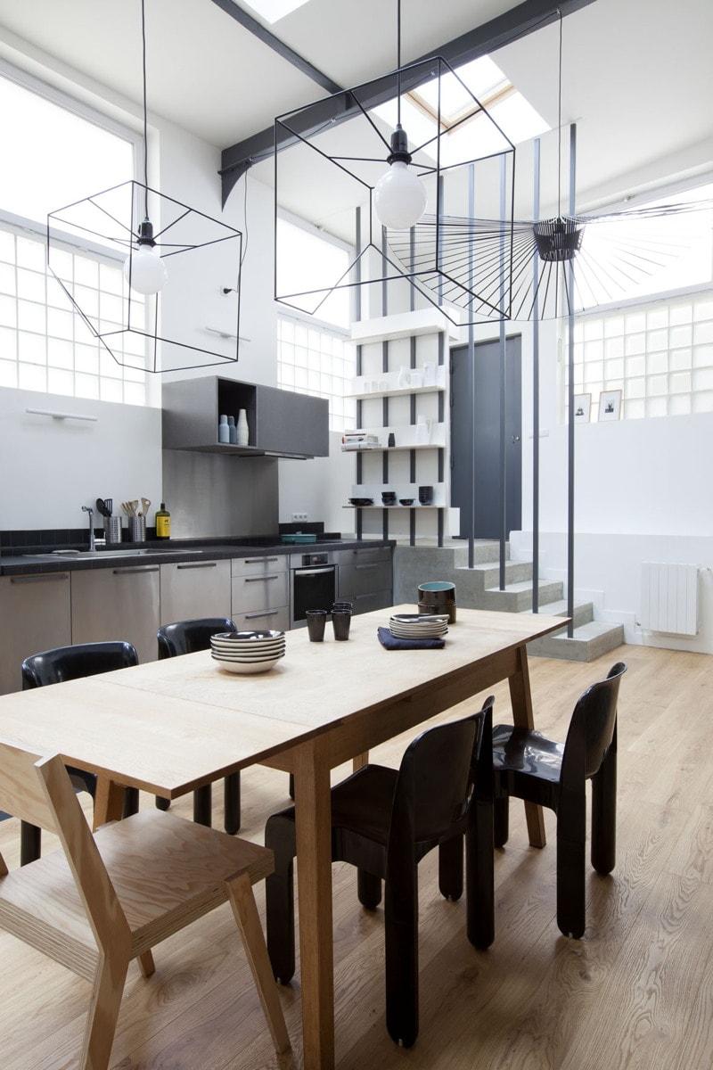 Salle à manger, cuisine, entrée