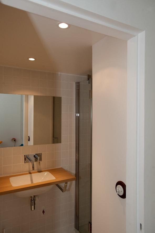 Salle de douche sous la mezzanine