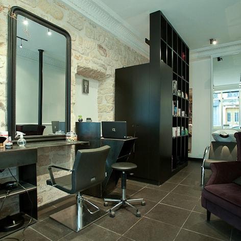 Travaux d 39 am nagement et de r novation d 39 un salon de coiffure - Amenagement d un salon ...