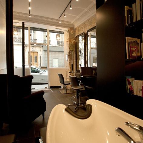 Travaux d 39 am nagement et de r novation d 39 un salon de coiffure for Salon de coiffure original