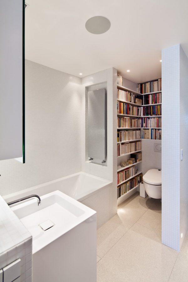 Aménagement salle de bain + WC + mini bibliothèque