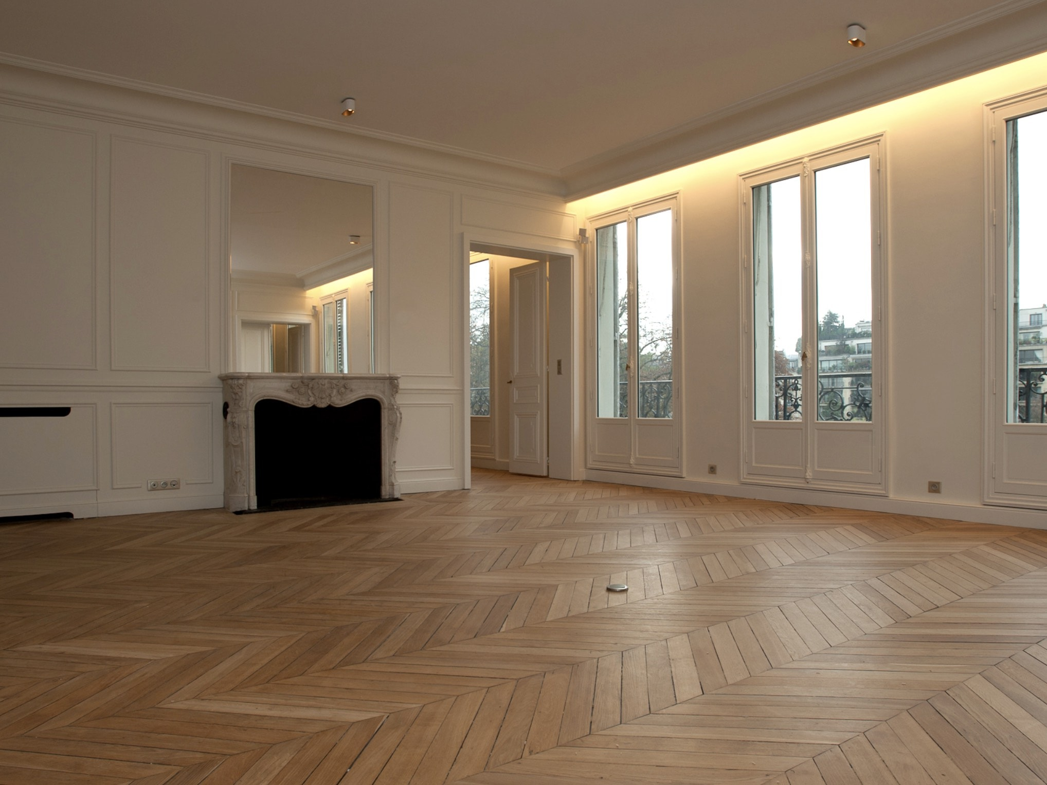 Très grand appartement haussmannien entièrement rénové