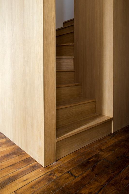 Escalier en bois pour mezzanine