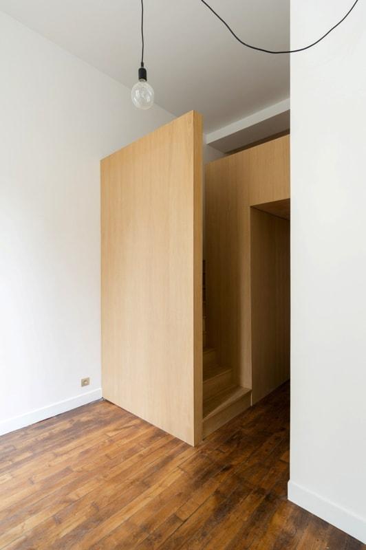 Escalier d'accès à la mezzanine chambre