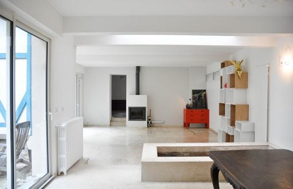 Le salon avec le puits de lumière