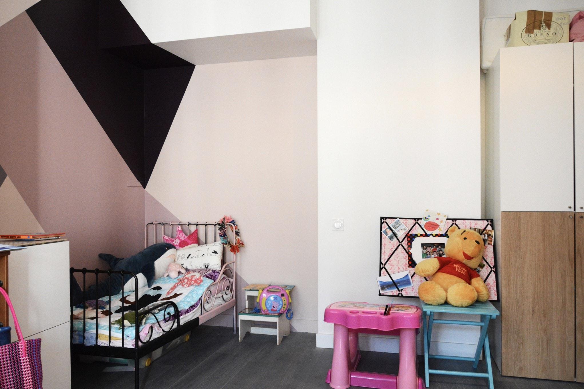 Chambre d'enfant avec un système d'estrade