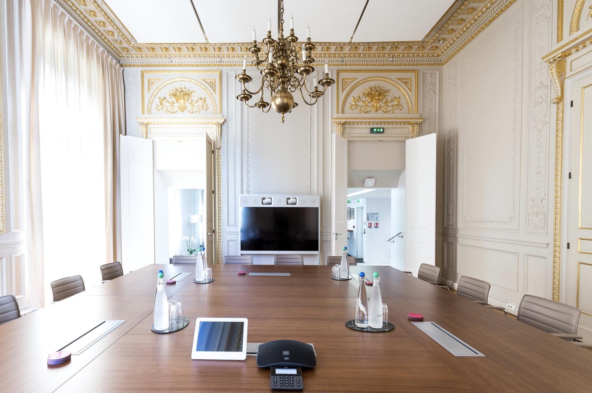 Salle de réunion majestueuse