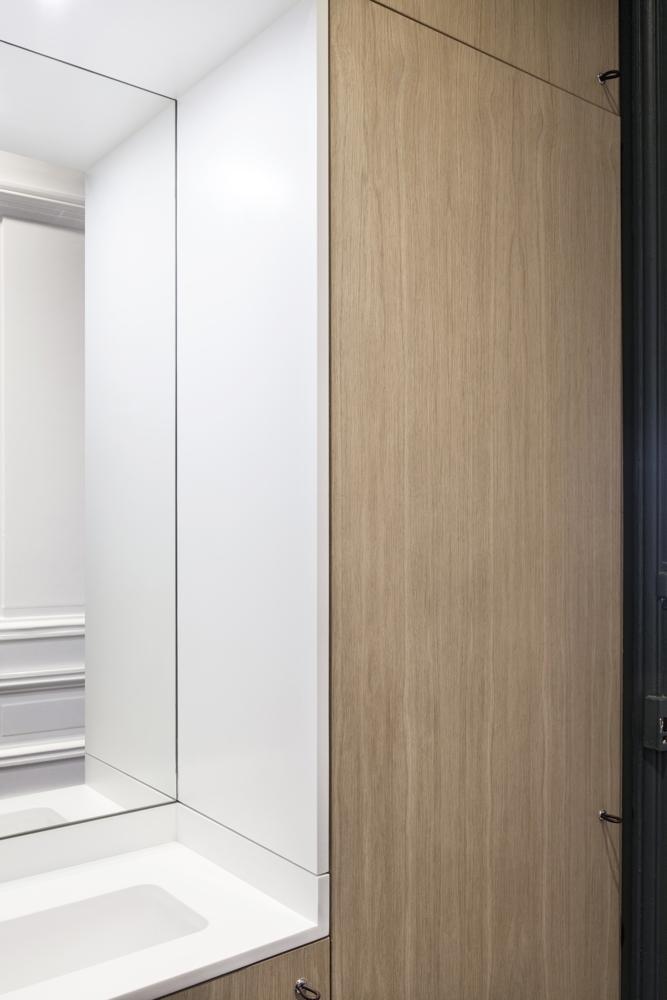 Aménagement de placards sur mesure dans le WC