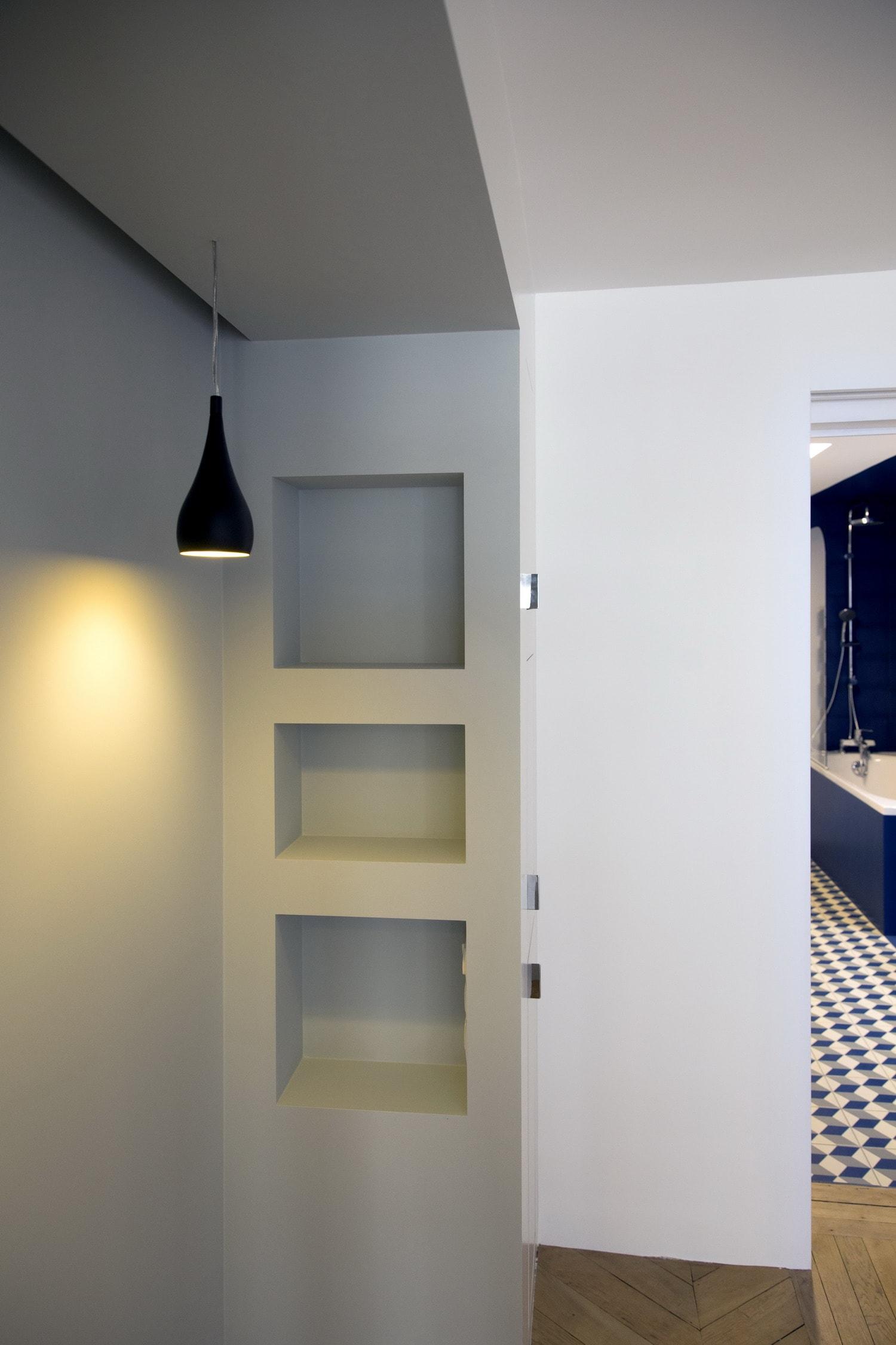 BKBS architectes ; vue de la chambre vers la salle de bain