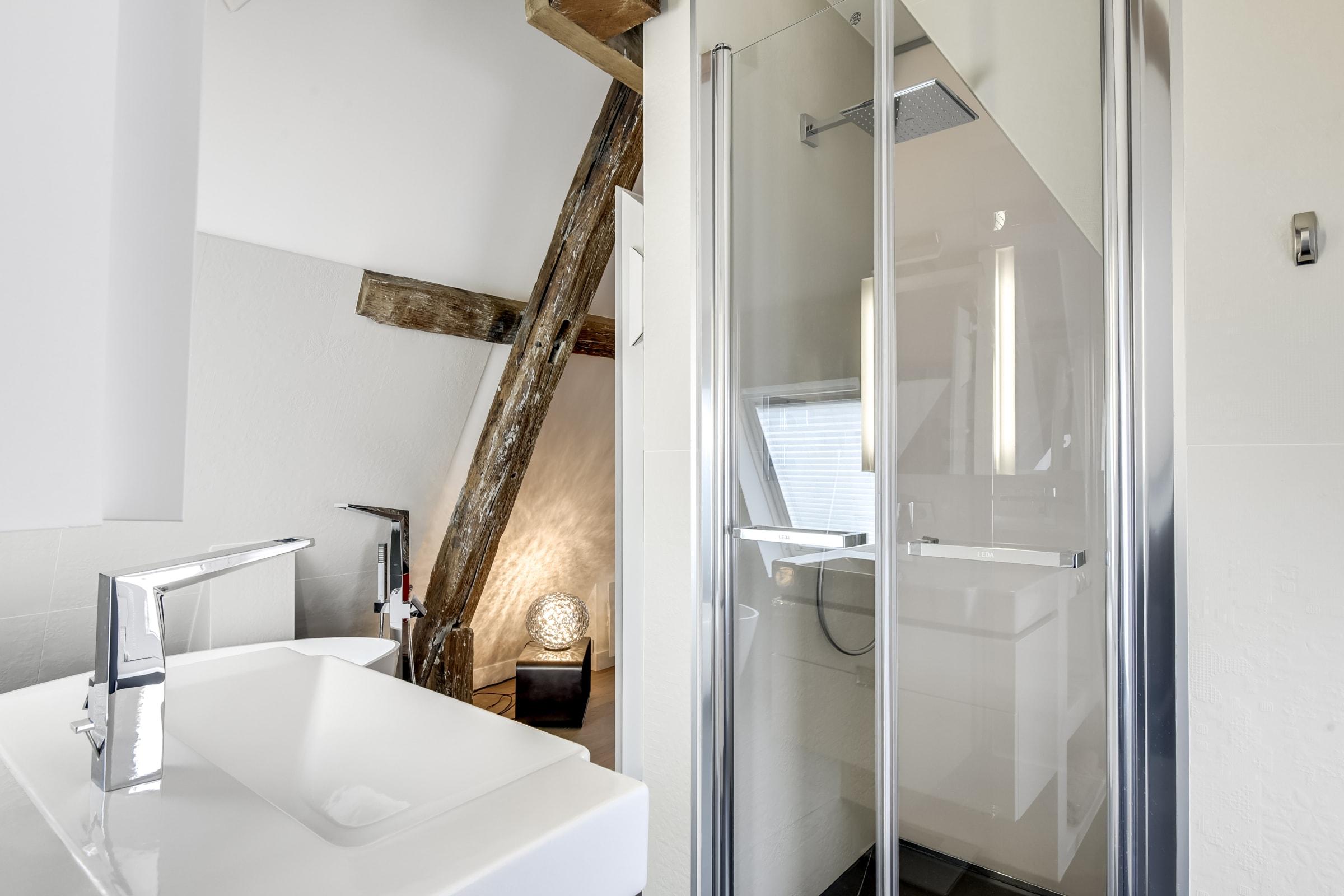 Travaux de rénovation et maitrise d'œuvre d'un appartement parisien sous les toits 23