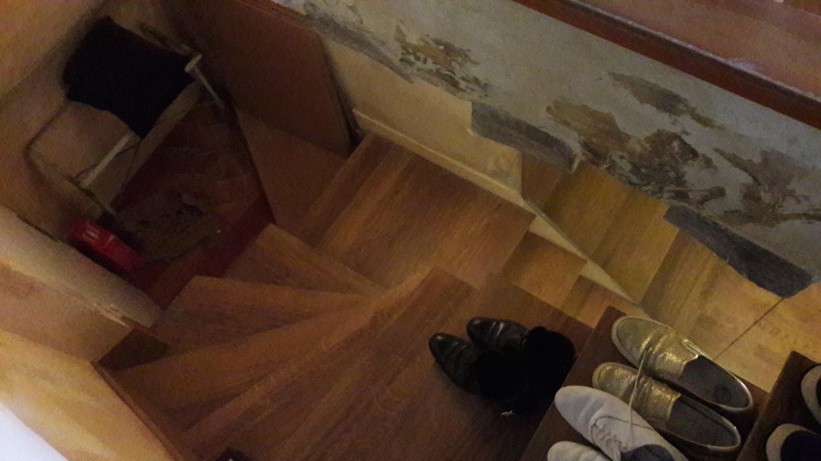 Entrée - Cage d'escalier Avant travaux de rénovation