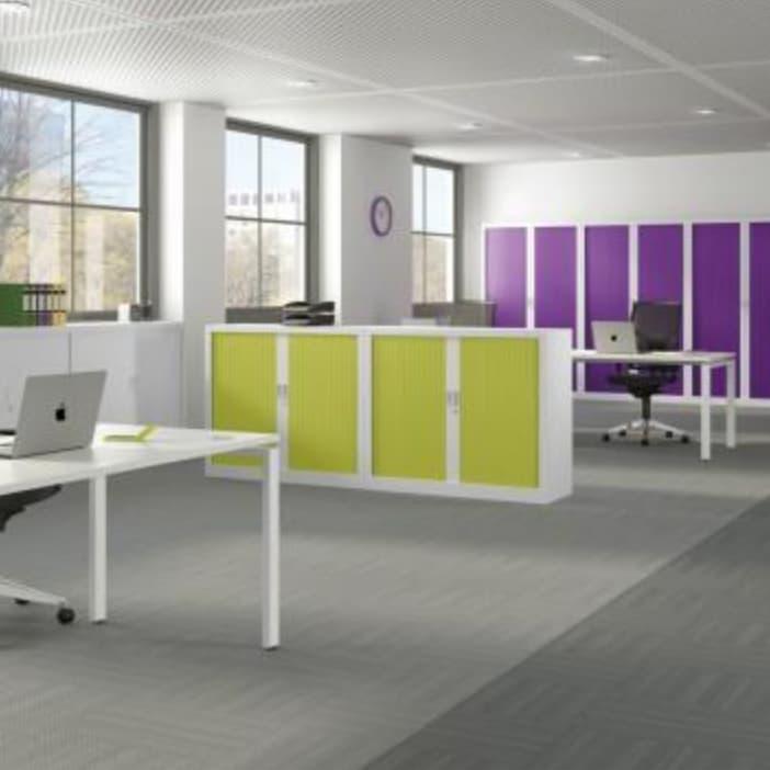 Armoires, rayonnages et vestiaires pour des bureaux