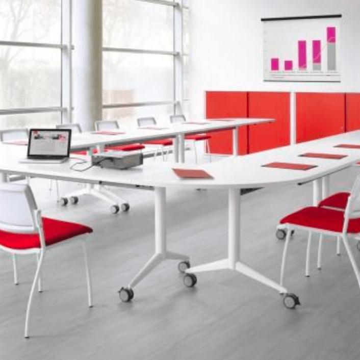 Tables abattantes pour salles de réunion