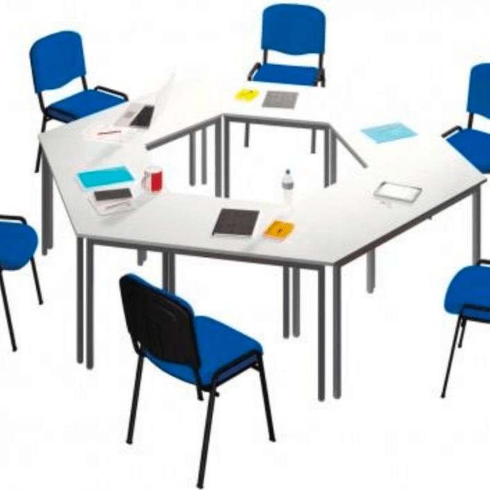 Tables polyvalentes de salles de réunion