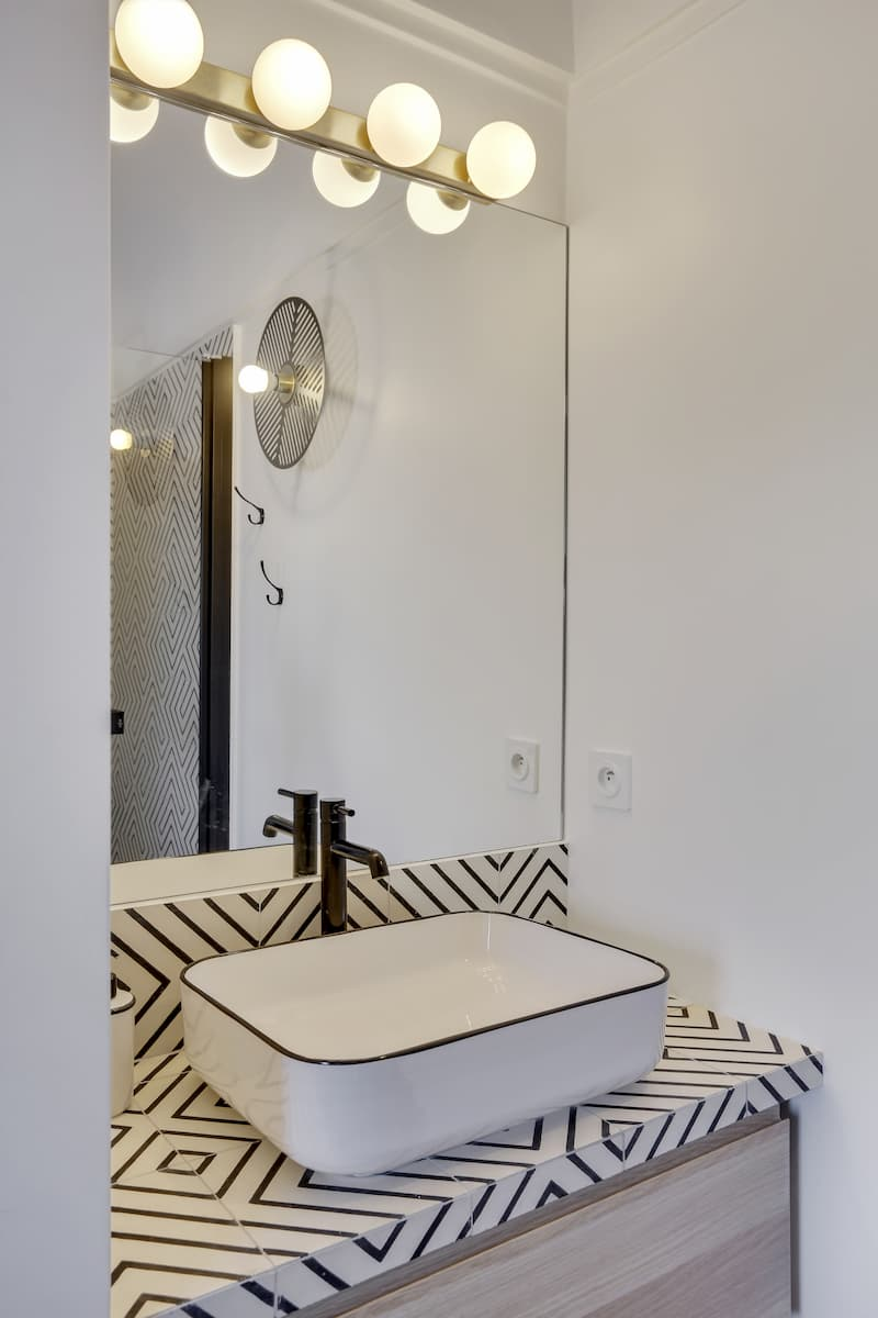 Installation d'un coin lavabo