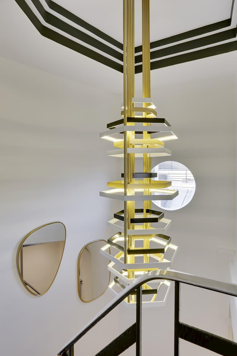 Installation d'un luminaire design