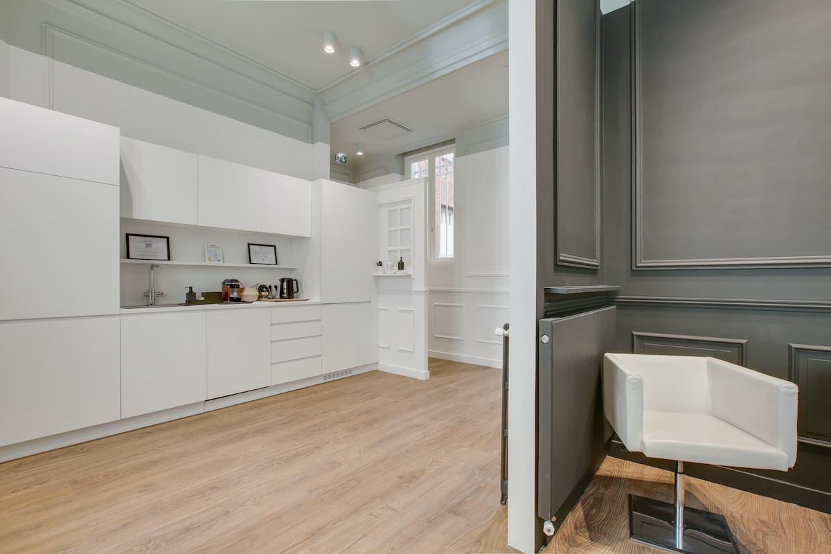 Espace détente / cuisine | Rénovation des bureaux pour un cabinet d'avocats