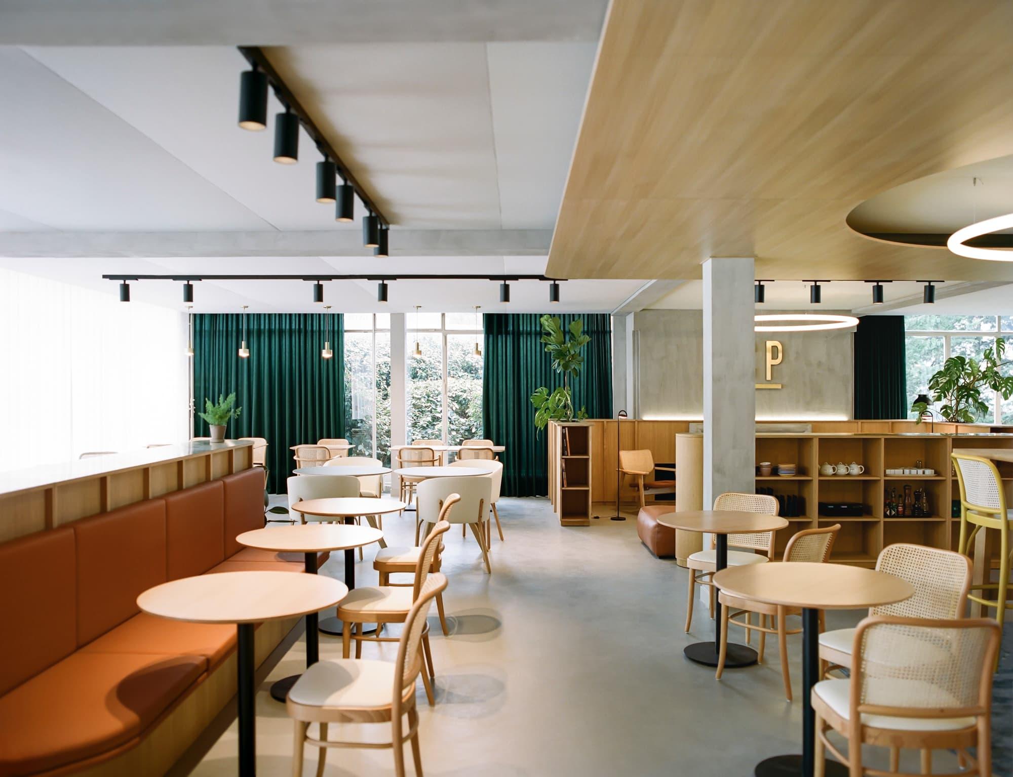 Aménagement de l'espace bar / restaurant du TCP (Tennis Club Parisien)